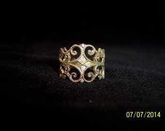 Gold Tone Scroll Work Costume Ring #253