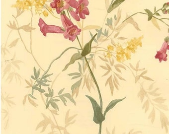 "Trumpet flower  "" Vintage Garden "" Floral Wallpaper - Flowers, Trumpet, Leaf, Cream, Flowered - By The Yard - VG61107"