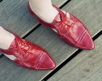 Red oxford shoes , Women pointy flats, Cut outs , Flat leather shoes, Women red shoes, Red flats pointy shoes, pointy flats  cut out oxford