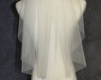 White Ivory Bridal Veil, a layer of cutting edge veil, bridal veil, wedding headpiece, veil comb, simple wedding veil