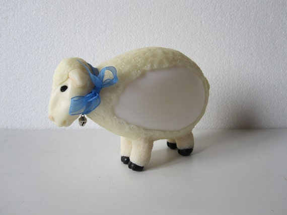 Night light led ,multicoloured! Little sheep, dressed in pink, blue, yellow... you choose! Cold porcelain