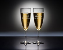 Personalized Champagne Glasses, Custom Engraved Champagne Flutes, Mr and Mrs Wedding Toasting Glasses, Bride and Groom Glasses Set 2