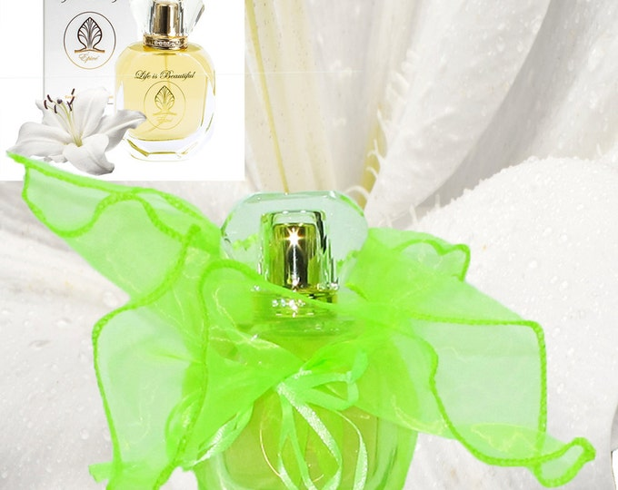 Perfume Épicé in Green Dress, Spicy Floral Natural Fragrance Oils; Eminence of Feminine Power & Love; Florencia Collection Life is Beautiful