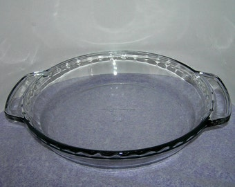 """Anchor Hocking Clear Glass 9"""" Pie Pan - Fluted Edge and Handles - 1 Quart Pie Plate - Glass Pie Dish - Bakeware"""