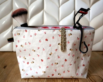 simple toiletries bag - honey bee
