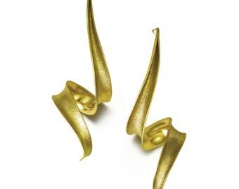 18k yellow gold Anticlastic earrings - Thunderstruck