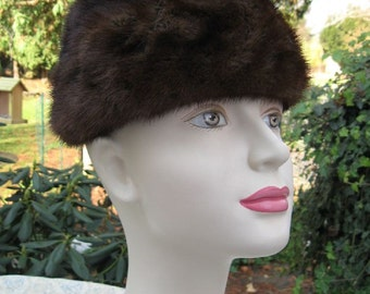 Vintage Lovely Woman's Chocolate Brown Mink Fur Hat Turban Style Lined Mid-Century