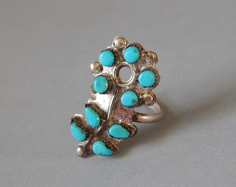 Vintage sterling silver turquoise petit point flower ring, Native American southwest petite point flower with stem and leaves