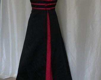 Vintage womens dress, gown, prom, bridesmaid, formal, fancy, dance evening dress, red black spaghetti strap, black wedding, crinoline slip