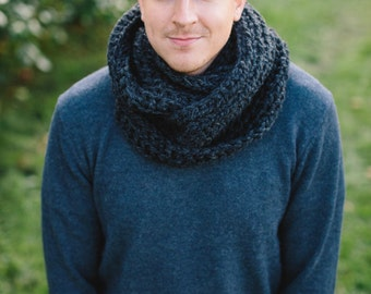 Men chunky infinity loop scarf - Pick your color!
