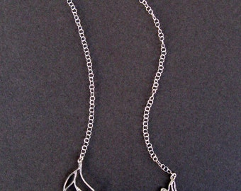 Autumn Necklace - 5 leaves - silver / black