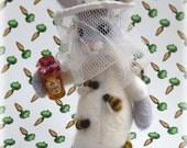 Needle Felted Bunny Rabbit Bee Keeper Honey Bunny Ornamental Model Beekeeper