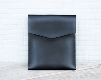 SALE iPad leather case in black color.