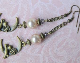 Moon bunnies earrings. Moon earrings. Bunny earrings. Rabbit earrings. Moon pearl earrings.