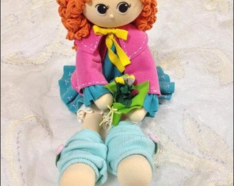 Chic lady with bouquet - light clay doll