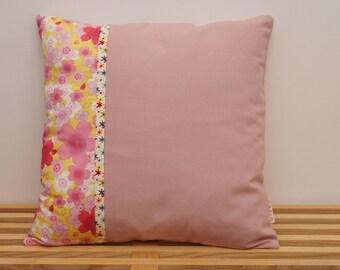 Housse de coussin, differentes fleurs japonaises multicolores / Pillow, cushion cover, different japanese colorful flowers