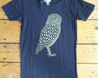 SALE - Small only - Organic Gold Owl Scoop Neck T-Shirt -- Light Black