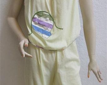 1960's Women's / Teen's Yellow Summer Pajamas - Size XS