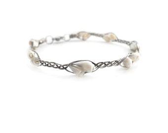 Silver bracelet, braided bracelet, wire wrapping, sea shell bracelet, organic jewelry, white bracelet for her, bridal jewelry, white wedding