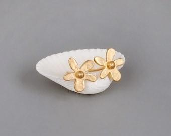 Gold Flower Stud Earrings, Tiny Gold Studs, Bridal Earrings, Minimalist Earrings, Gold Flower Earrings, Dainty Earrings, Gold Stud Earrings