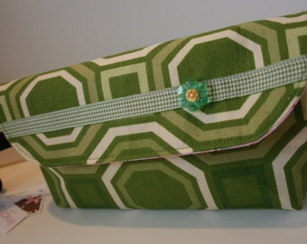 Green Geometric Wristlet Purse, Wristlet Clutch Bag, Handmade Fabric Wristlet, iPhone Wristlet, Catey Bag
