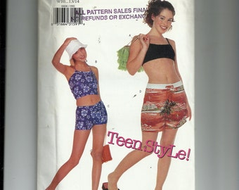 Butterick Juniors' Top and Shorts Pattern 6606