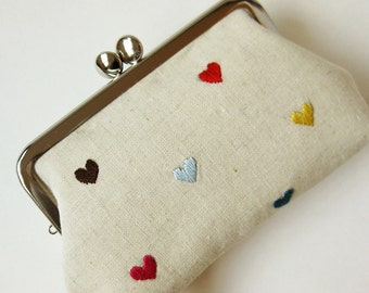 clasp purse frame purse hearts on natural linen multi-color hearts red blue yellow hearts