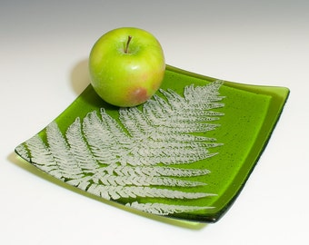 """Leaves fused glass 8"""" platter"""