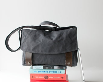 cross body bag - Messenger no.4 in Gunmetal