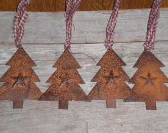 Set of 6 Primitive Rustic Country Christmas Holiday Trees with Rusty Star Ornies Ornaments Gift Tie Ons Party Favors