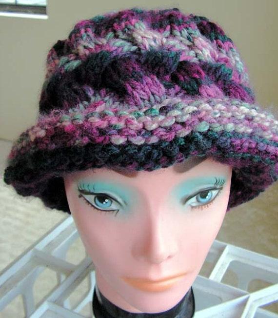 hat073 Hand Knit Vintage Charisma Holiday Cabled Paddington