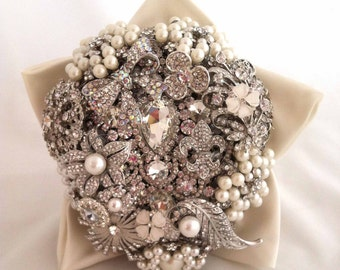 Lillybuds The Petite Brooch Bouquet