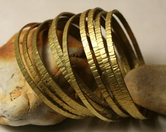 Stacking Bangle Bracelets, Solid Brass Bangles, Hammered Bangles, Textured Bangles, one piece (item ID RBBW57)