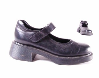 vintage DoC MaRTeN 90s made in England Mary Janes grunge distressed black rubber air cushion sole usa sz 7.5