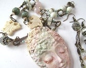 Resin Face Pendant Necklace Set with Gemstone Beads