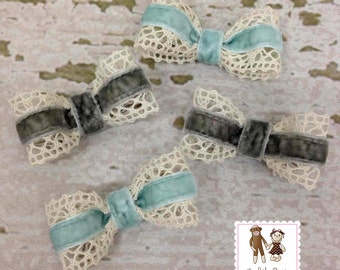 A Pair of Victorian Velvet and Lace Hair Bows by Chic Baby Rose