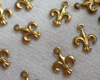 Fleur de Lis Tiny Brass 9mm Drops 12