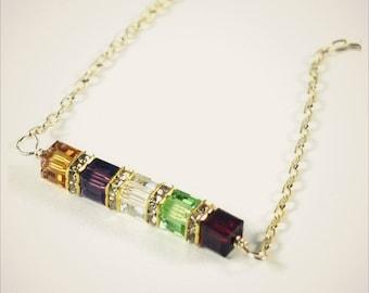 THREE STONE petite birthstone necklace customized birthstone jewelry for mom family birthstone necklace personalized birthstone jewelry