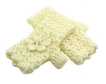 Butter Cream Crochet Fingerless Gloves with Flower, Cream Texting Gloves, Butter Cream Wristwarmers, GL121-01