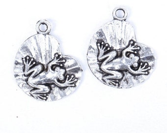 charm lilly pad frog toad charm pendant jewelry findings supplies silver metal quantity 4  sew100