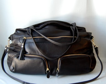 XL Shikotsu leather travel bag in black