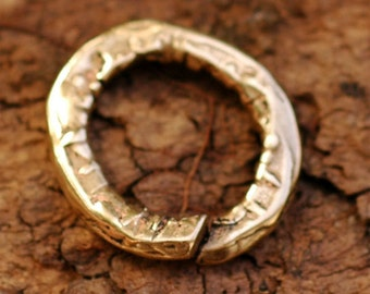Artisan Thick Textured Jump Ring Link in Golden Bronze 165d