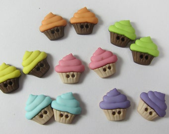 Assorted Cupcakes 2-Holed Novelty Buttons