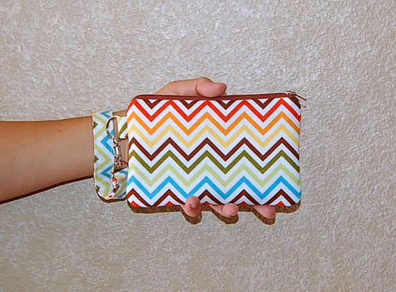 Chevron (Bermuda) - Wristlet Purse with Removable Wristlet Strap and Interior Pocket