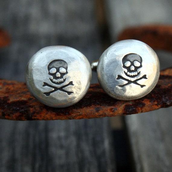 Cufflinks - Cuff Links - Skull and Crossbones