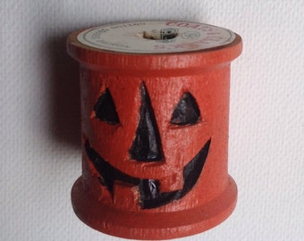 Primitive Halloween Carved Spool Jack O Lantern Ornament, Halloween Wood Carving, Hand Carved Sewing Thread Spool Jack O' Lantern Sale