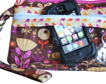 Easy Touch Screen Wristlet Sewing Pattern-Use your phone without taking it out