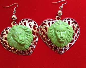LIONESS LION LEON lime green summer heart shaped  paint earring jungle animal tamer circus wild species africa african amazon amazonian