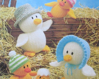 Jean Greenhowe's Knitted Animals Knitting Pattern Book