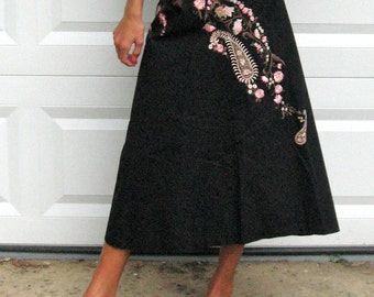 Embroidered Folk Skirt . Embroidered Paisley Skirt . anthropologie skirt